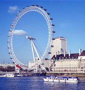 Panoramic Wheel on River Thames